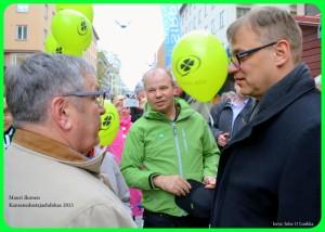 Juha Sipilä kävi Turun torilla jo keväällä 2014.  Kuva Juha O Luukka
